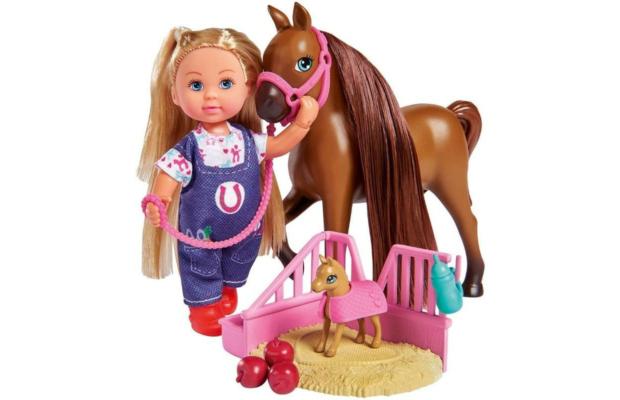 Evi Love - Doktor Evi állatorvos, lóval